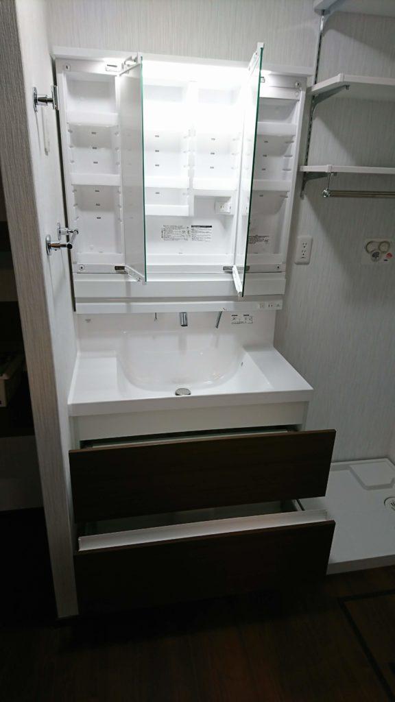 住友林業の標準洗面化粧台(LIXIL)