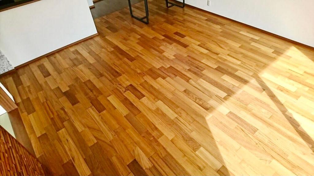 LDKの床材チーク 住友林業
